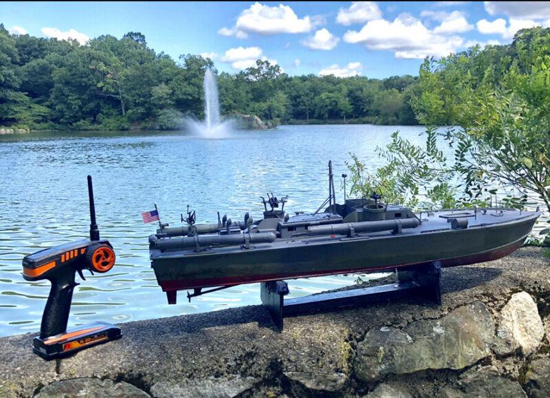 "Remote Control PT 109 Boat 33"". 2 Channel 2.4 Transmitter"