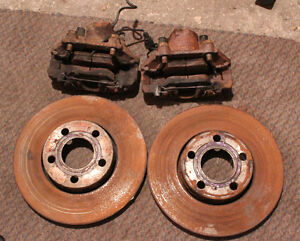 Volkswagen Passat 2001 Front Brake Callipers, Pads, & Rotors