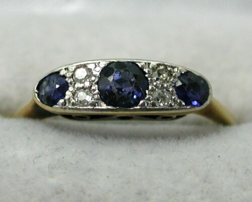 Antique / Vintage 18 carat Gold Sapphire And Diamond Ring Size O