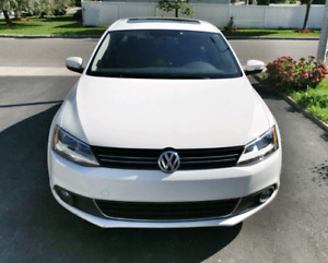 2014 Jetta TSi Fully Equiped Manual - Best price