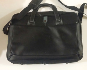 HP Leatherette 17.3-inch Notebook/Laptop Bag - Barely Used