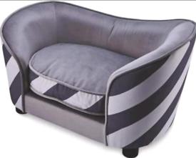 BRAND NEW CRUSHED VELVET DOG BEDS - £35 ☆☆ ALL NEW & BOXED
