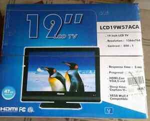 "19"" LCD HDMI Flat Screen TV"