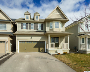 Beautiful 4 Bedroom Home in Binbrook