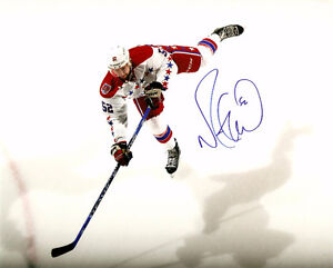 MIKE GREEN AUTOGRAPHED 8X10 PHOTO CAPITALS, RED WINGS NHL