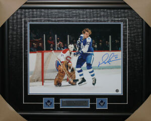 Darryl Sittler signed autograph Toronto Maple Leafs frame