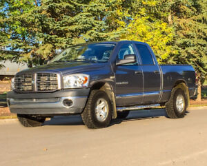 =`  DODGE RAM, 4x4, 5.7L Hemi, LOW km, PRICED TO GO
