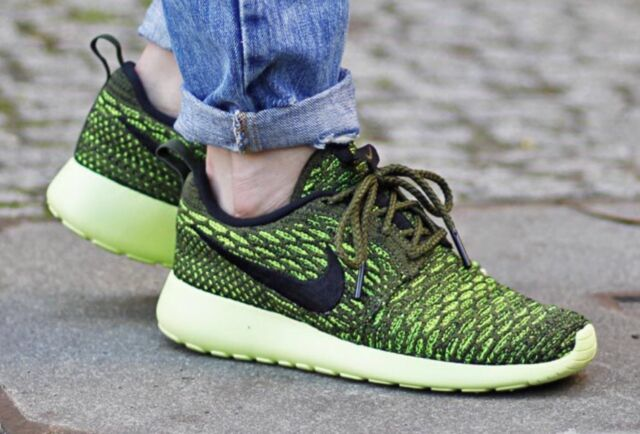 reputable site 322d7 6a20b ... Women s NIKE ROSHE ONE FLYKNIT Size 8 Run Rough GREEN Athletic shoes  704927 301 ...