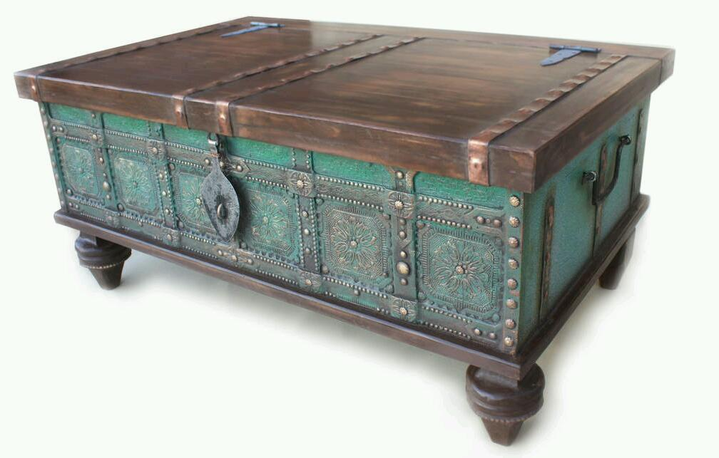 Retro coffee table chest trunk old style ottoman storage - Trunk style coffee tables ...