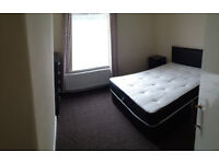 ***Great Location***Walk into town***2mins from Train station***Fully Furnished***2 Double Bedrooms*