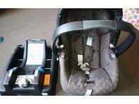 Mamas&Papas PRIMO VAGGIO car seat with base VERY GOOD,CLEAN CONDITION!!!