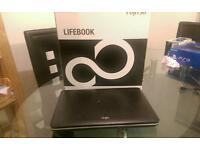 Fujitsu i3 laptop AH512 **excellent like new condition**