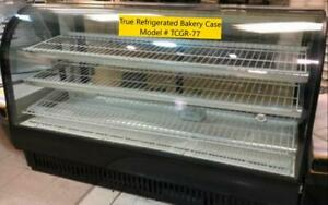 True TCGR-77 Refrigerated Curved Glass  Bakery Case