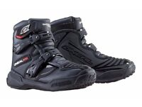 0'NEAL SHORTY BOOTS IN BLACK ...Like new...