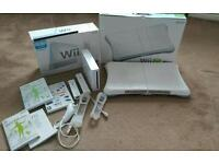 Wii and wii fit immaculate boxed 2 control remotes bargain