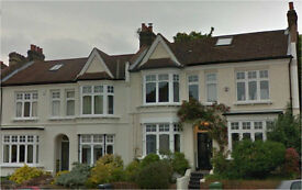 Lewisham SE13. **AVAIL NOW** Large & Modern 5 Bed 2 Bath Furnished House with Garden near Station