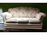 Beautiful cream three seater sofa 205cm. In perfect nick