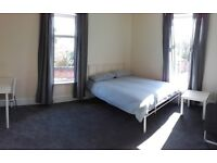 Large Double Room - Salford - Irlam O Th Heights - M6