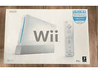 Nintendo Wii White Console 12 Games and accessories.