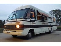 Beautiful Looking Ford Winnebago Chieftain American RV Motorhome