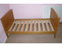 Beautiful Mamas & Papas Oak Cot Bed