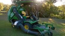 JOHN DEERE 1565 FRONT DECK RIDE ON MOWER WITH THE LOT LOW HOURS Brisbane City Brisbane North West Preview