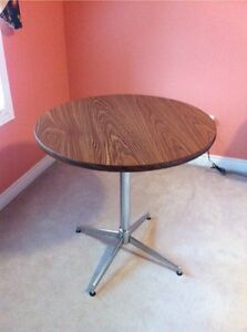Round wood table for SALE