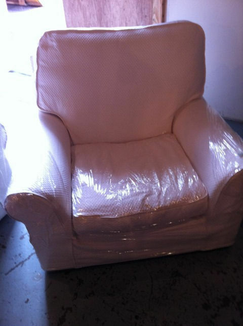 2x white arm chairs fully removable covers (read