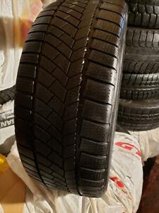 4 pneu d'hiver Continental 225 45R 18 bon etat