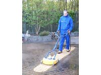 Driveway Cleaning Operative