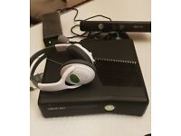 XBOX 360 CONNECT with all accessories and EIGHT games.