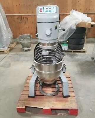 Globe Sp62p - 60 Quart Planetary Dough Pizza Floor Mixer 3 Phase 208v