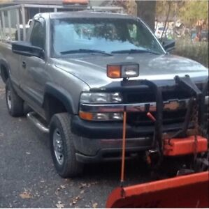 Chevrolet 2500hd plow truck (price nego)