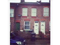 LOVELY 2 BED MID TERRACED UNFURNISHED IN BISCOT AREA LUTON £850PCM