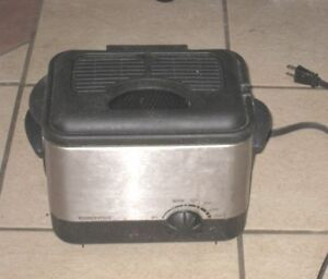 Used  good working Toastess Deep Fryer w/filtration & thermostat