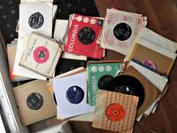 FOR SALE. GENUINE 1960' s SINGLES FEATURING THE BEAT ERA. ALL LISTED.