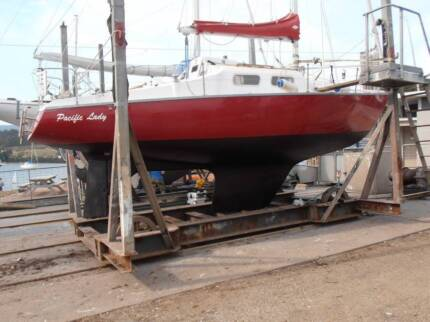 PACIFIC 27 Yacht    Strongly built production yacht