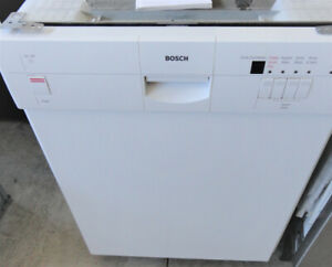 White Bosh Dishwasher in Great Condition