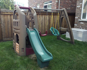 Step 2 Outdoor Swing Set/Playhouse