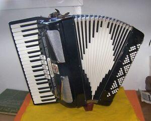 120 Bass National Accordion _ Same As A NOBLE Accordion