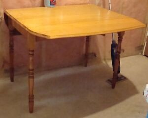 Antique Drop Leaf Table Kitchener / Waterloo Kitchener Area image 2