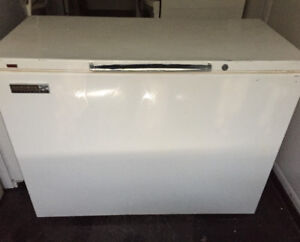 ADMIRAL FREEZER $180. FREE DELIVERY. 403 618 9447.