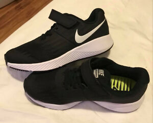 Brand New Boys Size 1 Nike running shoes