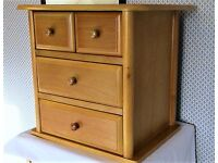 SMALL CHEST OF 4 DRAWERS IN PINE
