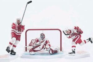 McFarlane-DETROIT-RED-WINGS-3-Pack-White-Jersey-Yzerman-Hull-Joseph-NHL-Set