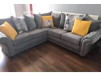 Beautiful luxurious CHESTERFIELD corner available in stock👌🏻 💁Ask for more details