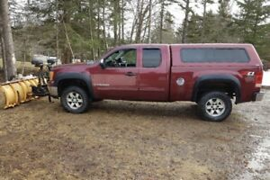 2009 GMC Sierra 1500 Z71 4x4 with Fisher plow $12,000 OBO