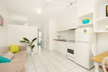 City Studio Fully Furnished, electricity incl. 1 x carpark space