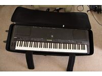 Yamaha CP300 Stage Piano keyboard with Gator case