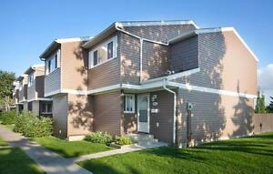 Week Long Special! Family Friendly Townhomes w/Fenced Yards